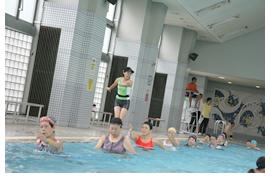 楽しい水中体操